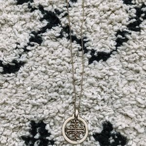 TB LOOK ALIKE NECKLACE